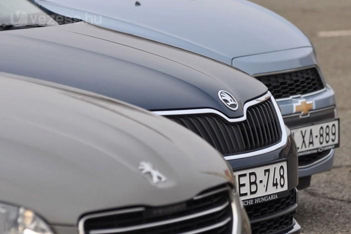 Nem kétséges, hogy a Škoda többet tud konkurenseinél. Az ötödik ajtó és a kulturált benzines turbómotorok hozzák előnybe