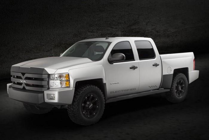A Via Motors-ban érdekelt Bob Lutz személye a garancia arra, hogy a brutális X-Truck nem tűnik el a süllyesztőben.