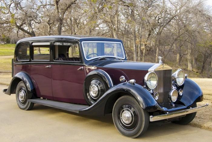 Rolls-Royce Wraith 1938-ból. A korabeli szaksajtó értetlenül állt tökéletessége előtt...