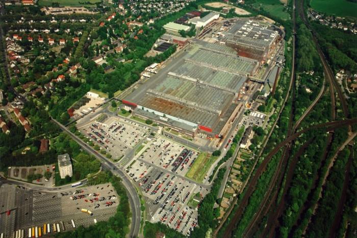 Az eredetileg remélt 2016 helyett már 2014 végén lehúzhatja a rolót a márka 3200 főt foglalkoztató észak-németországi gyára