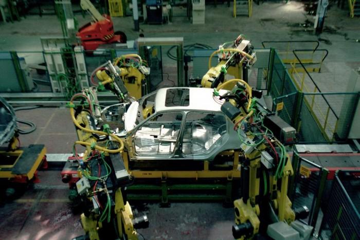 Lapjelentések szerint a Nissan veheti fel a Renault franciaországi gyárainak fölös kapacitását