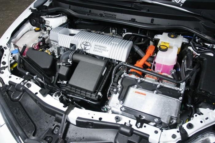 A Priusban már jól bevált HSD rendszer dolgozik az Auris orrában 136 lóerős összteljesítménnyel