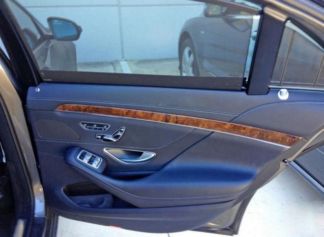 Egy-kettő-három-négy: vajon tényleg vezérelhető lesz az összes ablak jobb hátulról, vagy ez csak a tesztjármű sajátossága?