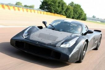 950 lóerős az új szuper Ferrari