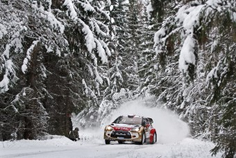 Loeb vezet a Svéd-ralin