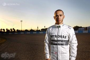 F1: Hamilton a menedzsment bábja?