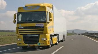 Ünnepi tiltás a kamionoknak