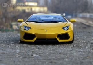 A Lamborghini kicsiben is vadállat!