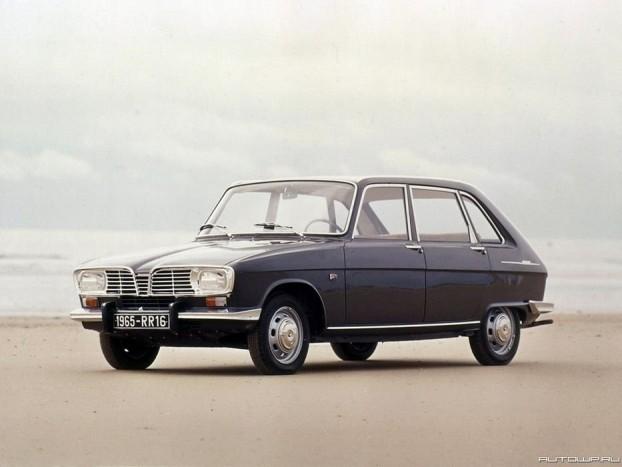 1966 Renault 16. A hatvanas évek közepén, amikor az autók többsége még négyajtós karosszériával és hátsókerékhajtással jelent meg, szinte forradalminak hatott a Renault 16-os az elsőkerék-hajtásával és az utastér hátsó részének raktérré alakítását lehetővé tevő ötajtós karosszériakialakításával. 98 ponttal, magabiztosan nyert a technikai újdonságok sorát felvonultató, 81 pontos Rolls Royce Silver Shadow előtt