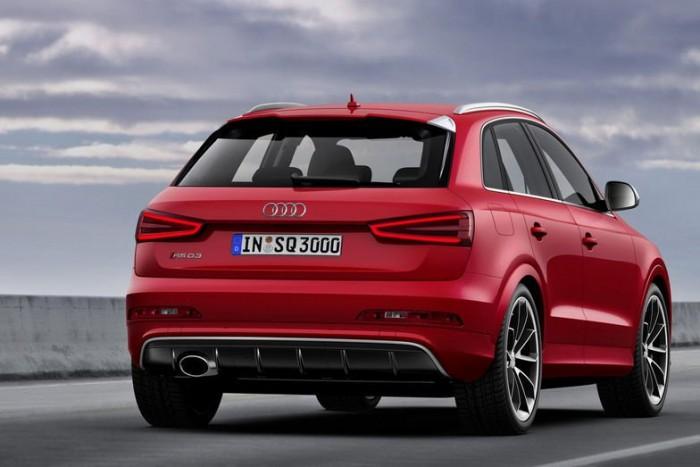 Az Audi régi hiányosságát pótolja azzal, hogy az RS ultrasport modellcsaládot kiterjeszti a Q szériára, hiszen a BMW és a Mercedes sportrészlegei már rég elkészítették a szabadidőjárművek sebességőrült átiratait. Az RS Q3 orrában ugyanaz az öthengeres, 2,5 literes turbómotor dolgozik, amely a TT RS és RS3 Sportback modelleket is hajtja, legnagyobb teljesítménye 310 lóerő.