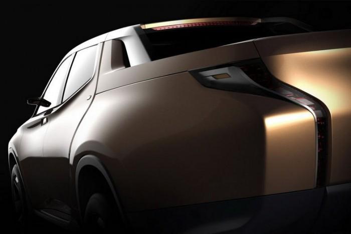 Genfben fogja leleplezni két új tanulmányát a Mitsubishi. A GR-HEV Sport Utility Hybrid Truck egy duplafülkés pick-up, agresszív, futurisztikus vonalakkal, és egy tiszta üzemű dízelmotorra épülő hibrid hajtáslánccal. A CA-MiEV városi célú, kifejezetten aerodinamikus jármű, alacsony tömeggel és kompakt méretekkel. Az autó állítólag 300 kilométert képes megtenni egyetlen feltöltéssel.