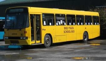 Ingyenes iskolabusz csak hívőknek?