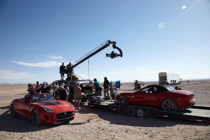 A BMW példáján fellelkesülve pörgős rövidfilmet gyárt a Jaguar. A főszereplő az F-Type és a Emmy-díjas Damian Lewis