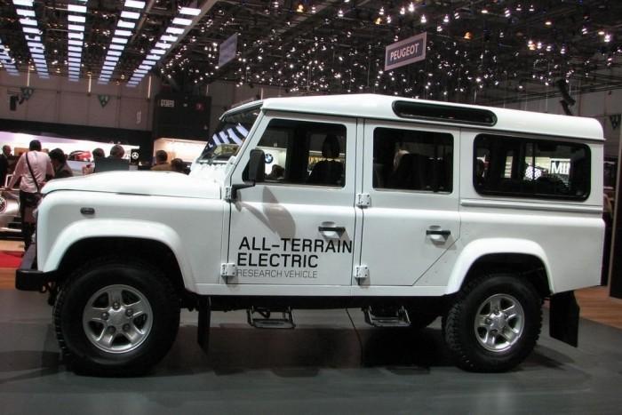 Furcsa tréfa a Land Rover standjáról