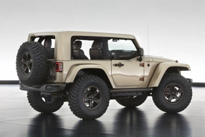 Jeep Wrangler Flattop - Kívül csillogó, de igazán sárban brilliáns: az elegáns, drága hatású kiegészítők és gazdag felszereltség mellett a Mopar raktárából összeválogatható legbrutálisabb terepfutóművet kapta a Flattop.