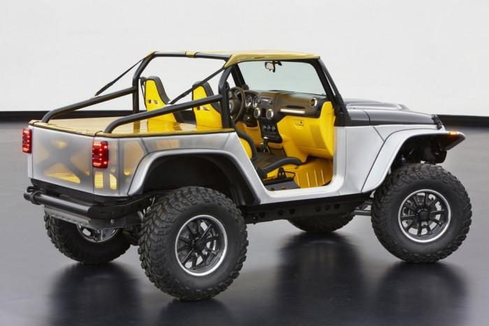 Jeep Wrangler Stitch - A Wrangler anorexiás kivitelét 1350 kilóra aszalták, ami a legjobb esetben is 350 kilónyi ballaszt elhagyását jelenti. Kukába ment a klíma, a rádió és az összes ülés, előre az SRT (korábban Dodge) Viper sportülései kerültek. Átdolgozták az alvázat és a felfüggesztést, a karosszériát és a szélvédőt megnyesték, a motorháztető szénszálas.