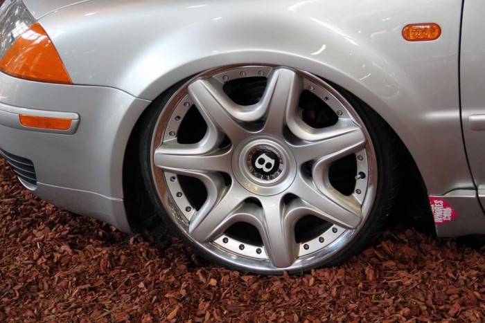 A Bentley felni népszerű kiegészítő a Volkswagen tunerek körében