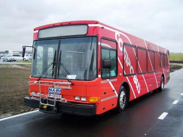 A NABI Compobus szinte minden hazai buszos eseményen ott van. A még az Ikarus 400-as család formavilágát idéző jármű szép emlékeket idéz a magyar autóbuszgyártásról