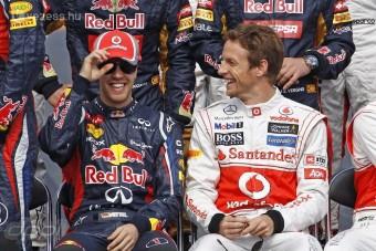 Button: Vettel maga alatt vágja a fát
