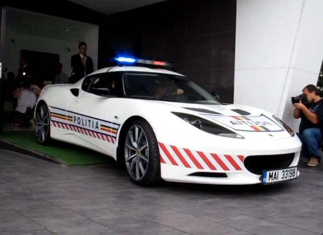 Úgy tűnik Romániában már beköszöntött a Kánaán, a szomszédoknál már szolgálatban áll egy álomverda, a Lotus Evora S. A márka forgalmazója két évre bocsájtotta a helyi erők rendelkezésére a 350 lóerős sportgépet 2011-ben, de a hazai autópályákon sem lenne utolsó látvány a Lotus.
