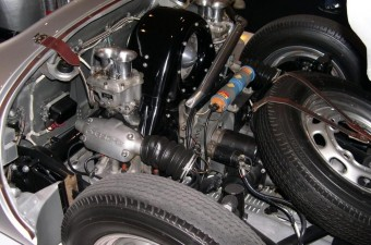 Négyhengeres boxerrel bővít a Porsche