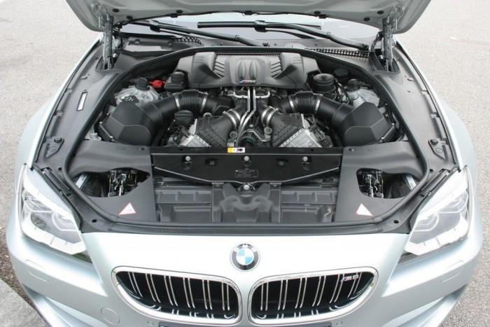 Ami szép, nem takargatjuk: a BMW M Technik büszke a motorjára