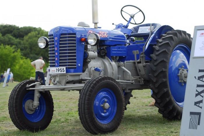 Íme, egy tisztességes traktorbolond hétvégi programja: május 11-én szombaton 10 órától Traktormajális lesz Bokor községben