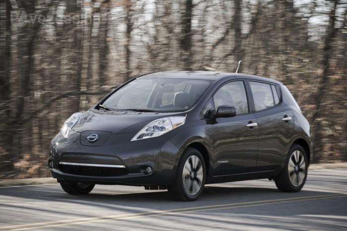 800 forintból tehető meg 100 kilométer a Nissan villanyautójával