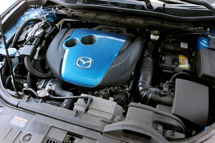 A Mazda Skyactive motorjai dízel és benzines fronton is különc irányvonalat képviselnek, ami úgy tűnik akár eredményes is lehet.