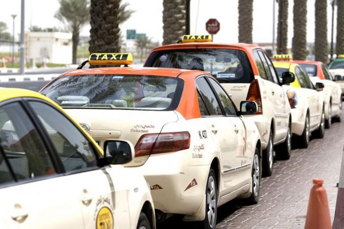 Gyakran éri kritika a dubaji taxisofőröket udvariatlan, becstelen viselkedésük miatt