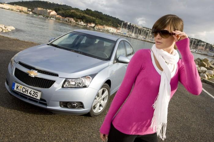 8. Chevrolet Cruze. Viszonylag alacsony fogyasztása, megfizethető ára és praktikussága miatt szerepel a tízben