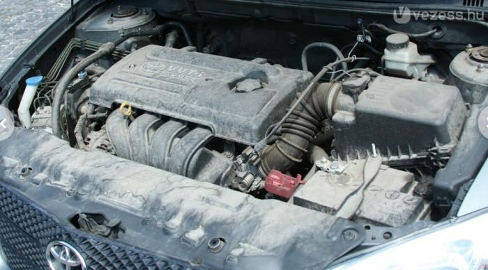 Rendszeres karbantartással problémamentesek a benzines motorok. Magas olajfogyasztás a 2002-ig gyártott VVT-i motoros autóknál fordult elő