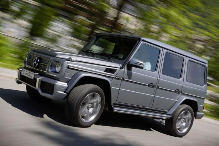 2. Mercedes-Benz G 65 AMG - 85 159 800 Ft. Melyik lehet a legdrágább Mercedes-Benz? Az ML 63 AMG, talán az SLS roadster? Ugyan! A legeslegnagyobb pénzhalmot az ősi G-osztályért lehet otthagyni a márkakereskedésekben. A V12-es dinoszaurusz nyomatéka 1000 Nm, százra 5,3 mp alatt gyorsul és a gumikat csak a leszabályozás menti meg a 230 feletti tempótól