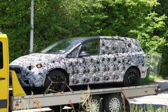 Hétszemélyes kisbusz a BMW-től