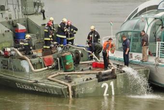 Léket kapott egy hajó a Dunán