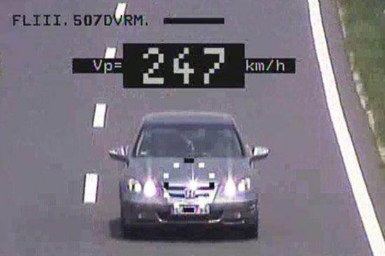 Unikum, hogy nálunk kép is készül a gyorshajtókról - állítja a rendőrség