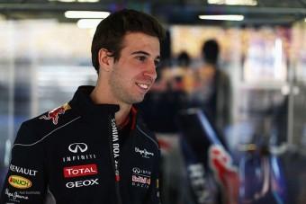 F1: Ralibajnok fiával tesztel a Red Bull