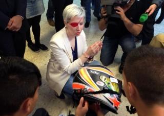 Papírként szakadt szét az F1-es sisak
