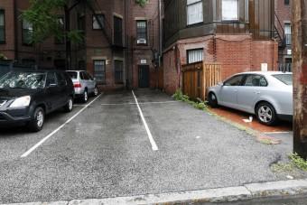 60 millió egy parkolóhelyért