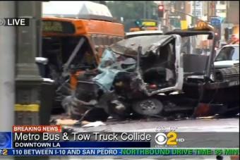 Letarolta a buszt a száguldó teherautó