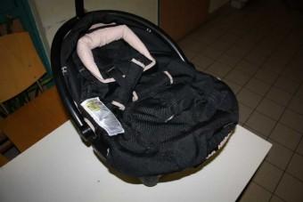 Csecsemő alá rejtették a kábítószert