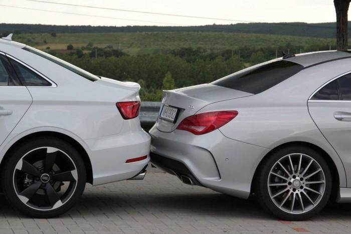 Mindkét autó fronthajtású, mindkettő szégyellheti is magát miatt. A Merci azért kicsit rájátszik optikailag a prémiummárkákra jellemző hátsókeres fílingre