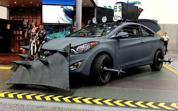 Ezt a zombigyilkos Hyundait a Walking Dead című képregényben láthattuk. Ebből a képregényből készült a mára hatalmas rajongótáborral rendelkező tv sorozat is, amihez szintén a Hyundai szolgáltatta az autókat.