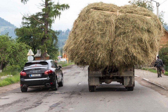 Vajon mikor biztonságos egy előzés? Vezetéstechnikai szakértőnk választ ad erre a fontos kérdésre, de természetesen jogi, és autóvásárlási tanácsaink sem maradnak ki heti szakértői válogatásunkból.