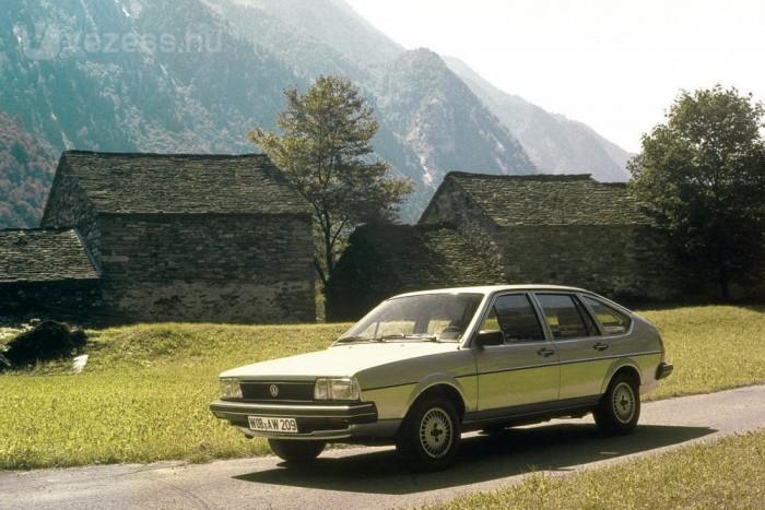 Nevét több más VW modellhez (Scirocco, Bora) szélről kapta a Passat
