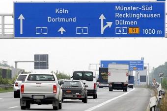 Ingyenesek maradnak a német autópályák