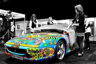 Ferrarik a szivárvány színeiben