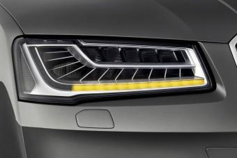 Futófénnyel indexel az új Audi A8