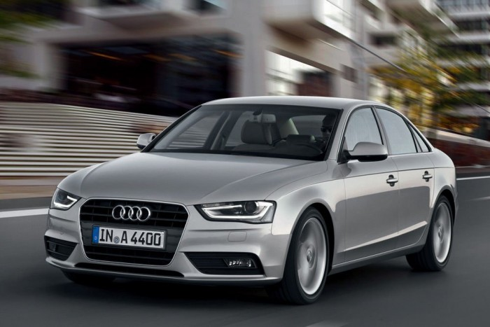Sebességtartó automatika, Audi A4, 96 520 Ft. Bemegy az ügyfél a szalonba, kiválaszt utazóautónak egy háromliteres, V6-os TDI-t, persze quattrót. Beikszeli a clean dieselt, hogy kevésbé szennyezze a környezetet, kimegy a sztrádára és meglepődik: 14 063 550 forintos autójában nincs tempomat