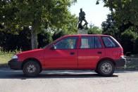 Használt autó: mit tud egy filléres japán benzines? 5